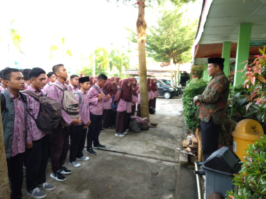 Siswa Man Kota Pariaman Adakan Study Komputer Ski Kementerian Agama Provinsi Sumatera Barat