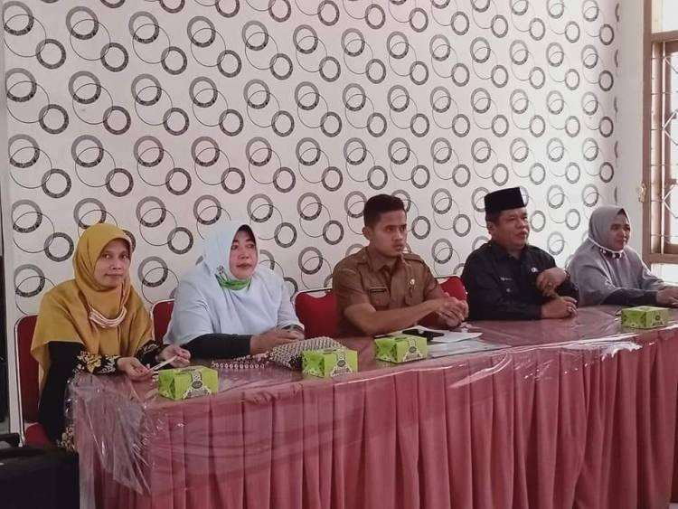 Kepala KUA Padangpanjang Barat  Sapa RT dan Ketua LPM  Kelurahan Kampung Manggis