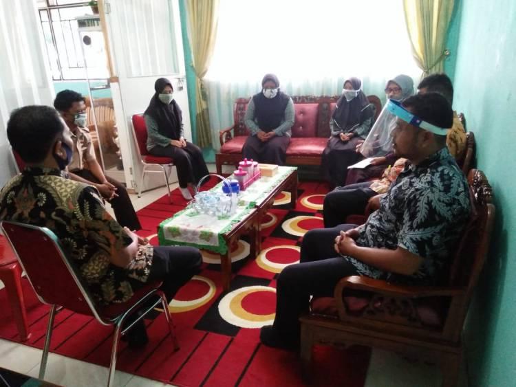 MAN 2 Solok Selatan Salurkan Bantuan Beasiswa UPZ kepada Siswa Kurang Mampu