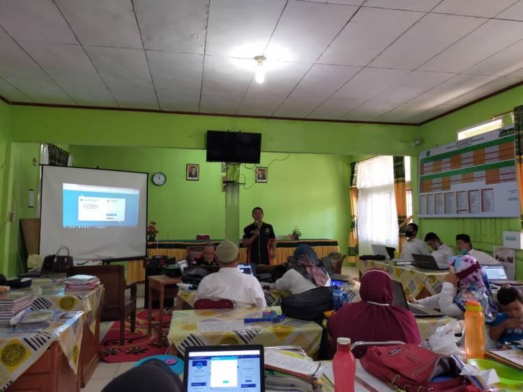 MAN 2 Pesisir Selatan Adakan Sosialisasi E-Learning Pada Guru