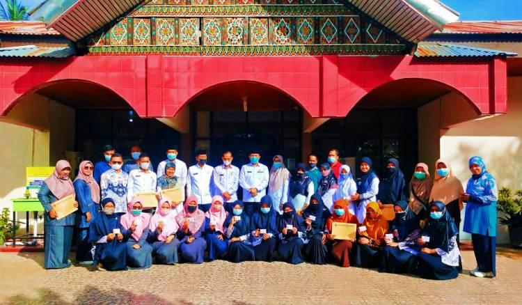 Kakan Kemenag Kota Payakumbuh Serahkan SK Purna Bakti