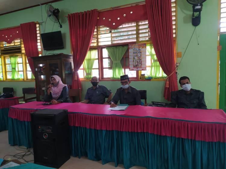 ASN MTsN 1 Kota Pariaman Ikuti Sosialisasi dan Evaluasi Penerapan SE Kemenag No 03 dan 04