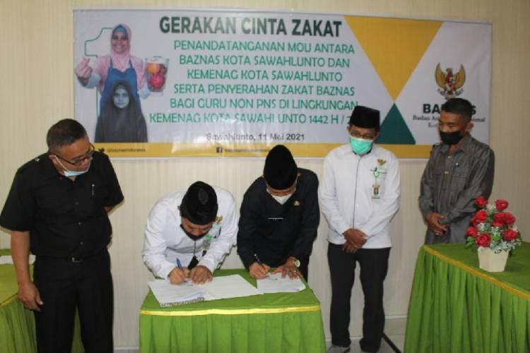 Jelang Idul Fitri Guru Madrasah dan PAI Terima Bantuan BAZNAS