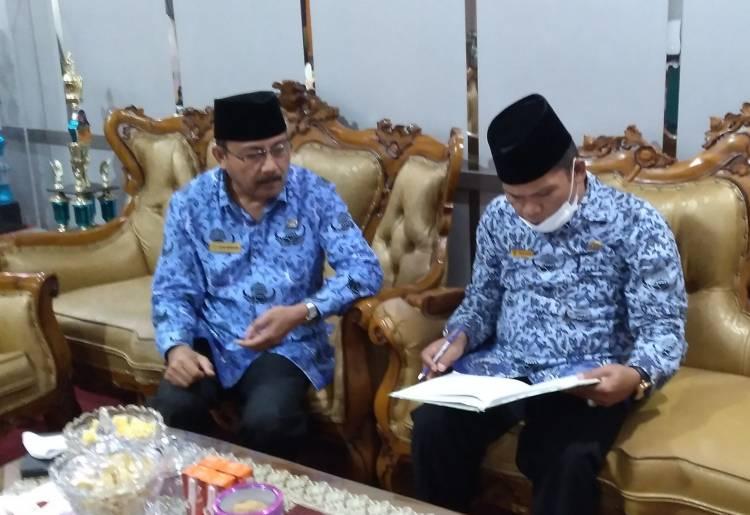 Marjanis Sidak Kehadiran ASN di MAN 2 Padang