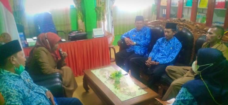 Hari Pertama Masuk Kerja, Kasubbag TU    Sidak MTsN 7 Kota Padang