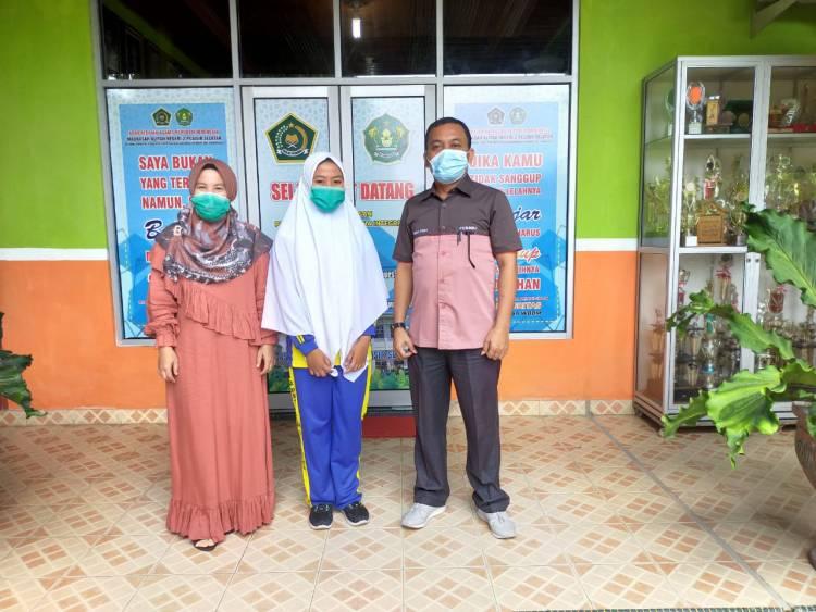 Giat Madrasah Riset, Siswa MAN 2 Pesisir Selatan Ikuti LKIR LIPI