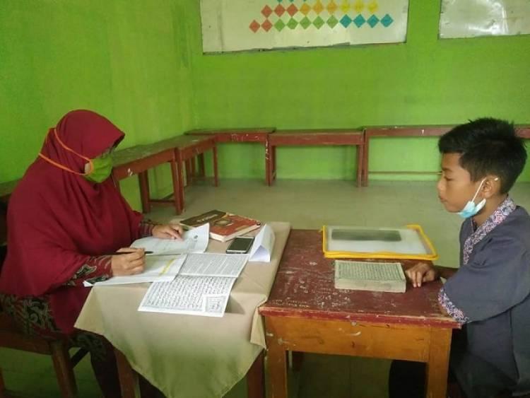 Calon Siswa Mendaftar ke MTsN 2 Solok Membludak