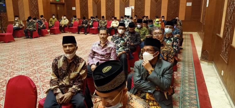 Empat ASN Kemenag Kota Padang Panjang Terima Sertifikat Bimtek Fasilitator Keluarga Sakinah