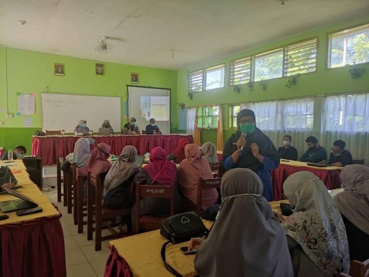 Pegawai MTsN 3 Kota Padang terima Sosialisasi  Vaksinasi Covid 19  dari Puskesmas Ikur Koto Padang