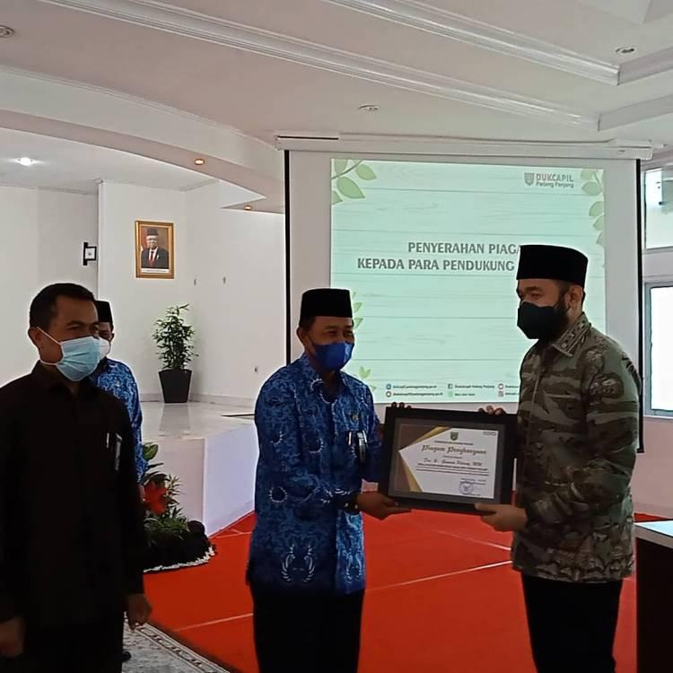 """Kakankemenag Raih Penghargaan Inovasi """"SELALU SAMAWA"""" dari Walikota Padang Panjang"""