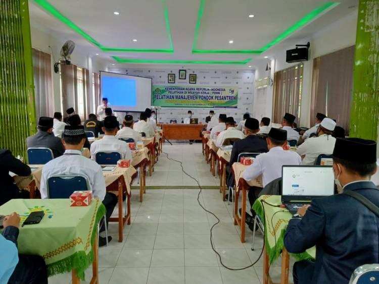 Kakankemenag Agam Buka PDWK Pelatihan Manajemen Pondok Pesantren
