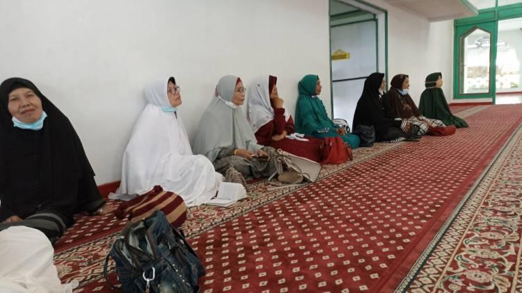 Kepala KUA Berikan Tausiyah dalam Kegiatan Wirid IPHI Kecamatan Banuhampu